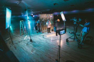 Создание видеоматериалов для трансляции студией online-событий CULT.LIFE
